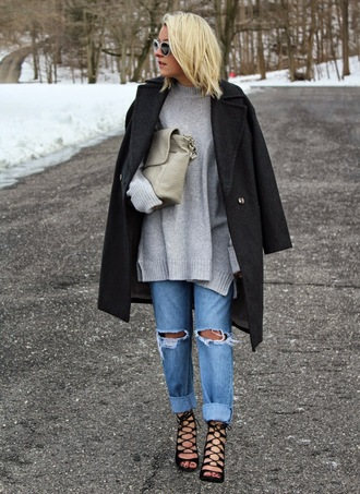 platinum and penniless blogger oversized turtleneck sweater grey sweater ripped jeans