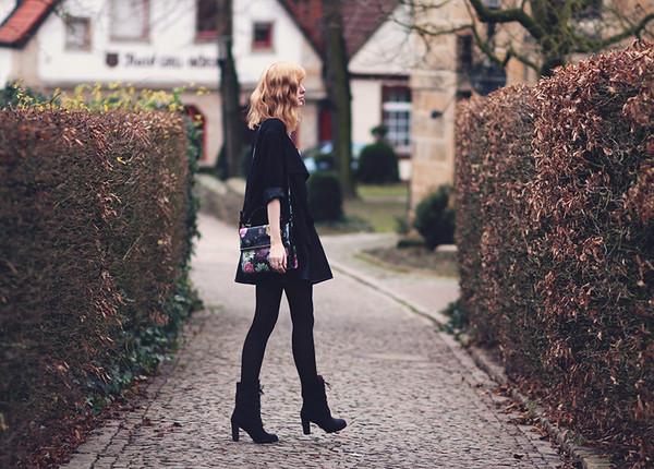 bekleidet t-shirt sweater skirt bag shoes