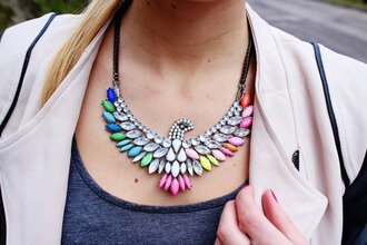 jewels statement necklace neon rhinestones cute arend animal pink blu blue diamonds vintage hipster style instagram .girl hair outfit statement necklace