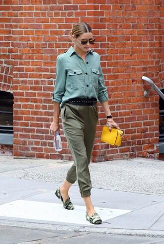 shirt khaki khaki pants blouse olivia palermo blogger flats ballet flats streetstyle belt