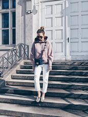 sweater,pink hoodie,white trousers,metallic shoes,black bag,blogger,round sunglasses