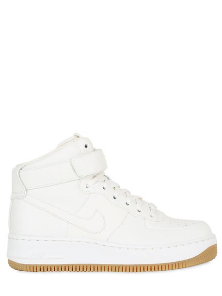 Nike sneakers white shoes