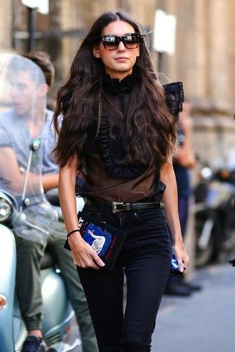 le fashion image blogger sunglasses top belt black blouse clutch spring outfits jeans bag blouse