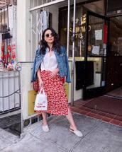 skirt,midi skirt,floral skirt,button up,white blouse,denim jacket,shoulder bag,flats,aviator sunglasses