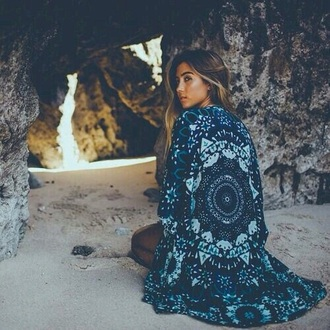jacket kimono beach summer spring boho bohemian urban blue green turquoise indian pattern mandala detail white black long cool comfy japanese girl blonde hair kimono style style fashion outfit