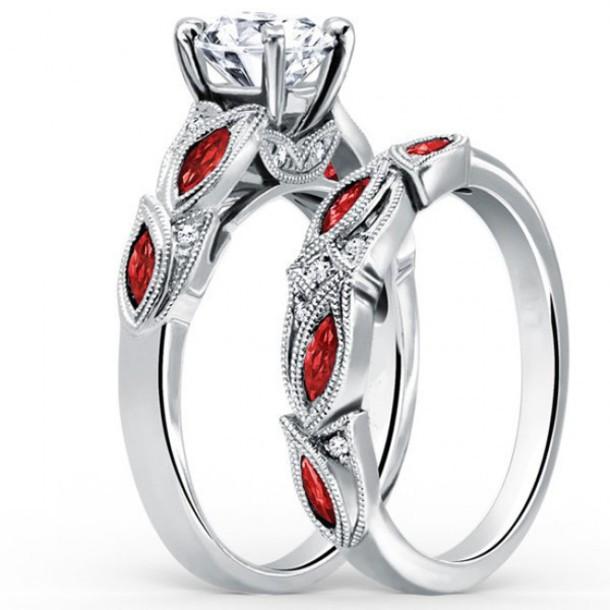 Jewels Evolees Evolees Com Round Cut Diamond Engagement Ring And