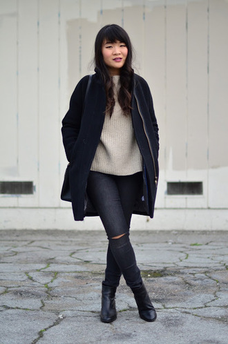 daily disguise blogger coat sweater jeans shoes
