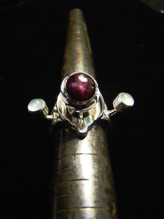 jewels ruby ring prehnite sterling silver