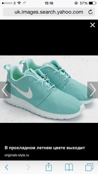 shoes mint nike roche