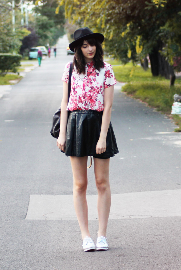 mes memos blogger shirt hat skirt shoes