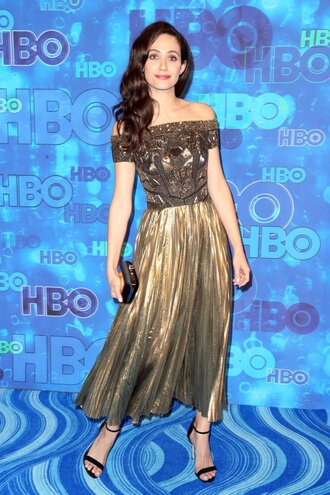 dress off the shoulder midi dress sandals emmys 2016 emmy rossum pleated pleated dress metallic gold