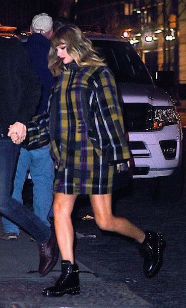 coat plaid ankle boots celebrity taylor swift streetstyle fall outfits