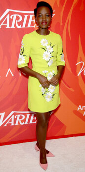 dress,yellow,yellow dress,pumps,spring dress,lupita nyong'o