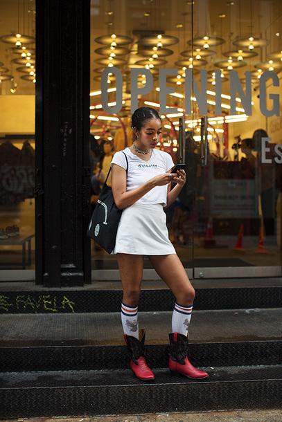 skirt white skirt mini skirt white t-shirt bag socks sneakers