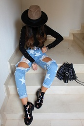 style by nelli,blogger,jeans,belt,shoes,hat,bag,bucket bag,ripped jeans