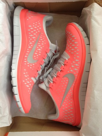 shoes nike pink and white sneakers running shoes nike running shoes pink nike nike sneakers nike pink nike air