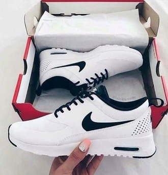 shoes black white nike tumblr cute lovely black and white rose air max sports shoes casual classy