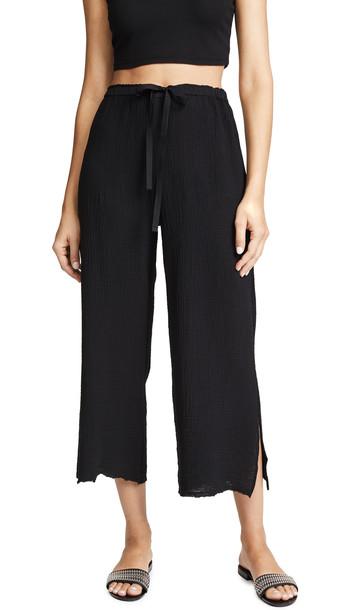 Velvet Rimma Cropped Pants in black