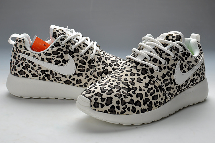 super popular 6ca82 470f9 Womens Best Nike Roshe Run Leopard White Black   roshefloral   Pinterest   Roshe  Run, Roshe and Nike