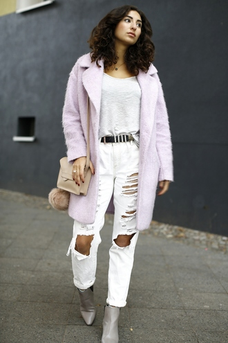 samieze blogger bag white ripped jeans pink coat fuzzy coat white jeans grey boots pink winter outfit