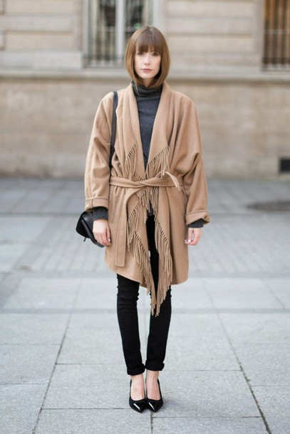into your closet blogger camel coat skinny jeans