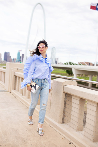 styleofsam blogger top jeans jewels bag sunglasses blue shirt clutch mules spring outfits