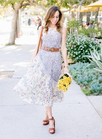 sydne summer's fashion reviews & style tips blogger dress coat sweater skirt