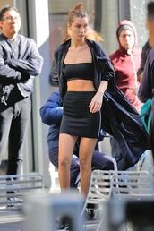 top,skirt,mini skirt,bella hadid,model,bra,bandeau