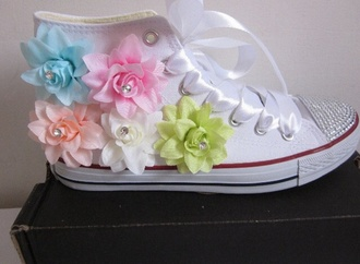 shoes wots-hot-right-now converse custom shoes high top sneakers sneakers white sneakers sneakers white customised custom made customized flowered shoes lace up lace up sneakers designer shoes girls sneakers girly sneakers pink pumps