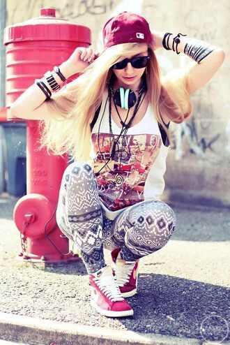 shoes hat brackets headphones leggings sunglasses necklace muscle tee tank top jewels shirt pants earphones blouse sleevless t-shirt cap.leggings swag felt hat cute girly hip hop
