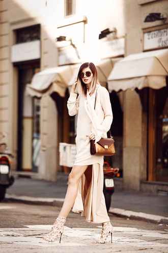 bekleidet blogger skirt brown leather bag all nude everything monochrome outfit