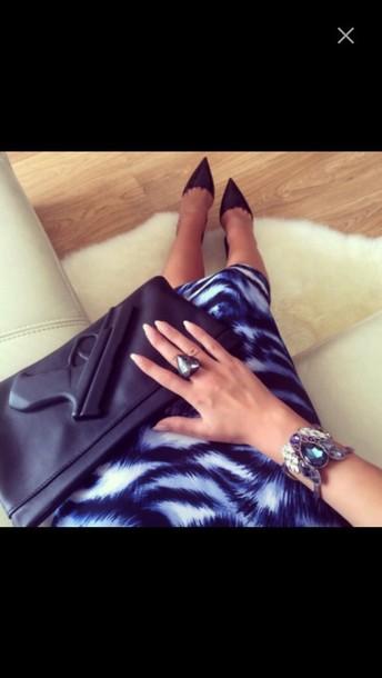bag clutch gun purse zwart noir fashion instagram weheartit