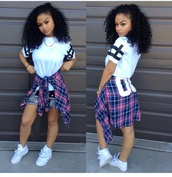 t-shirt,shirt,india westbrooks,shoes,black and white,white t-shirt,long tshirt,sweater,white shirt,Accessory,plaid shirt,dress,jacket,blouse