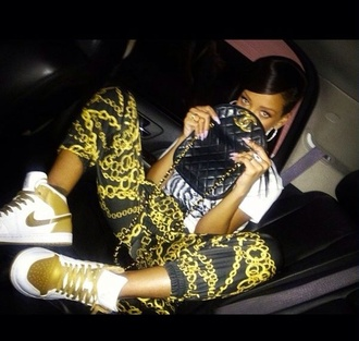 jeans pants jogging chains chanel rihanna shoes bag shirt pants trousers pants jigge rihanna sneakers fashion