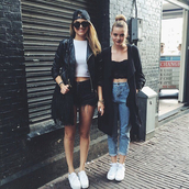 jeans,pants,indie,fashion inspo,fashiond,ress,dress,girl,brunette,hair,leggings,luxury,boyfriend jeans,high waisted jeans,bralette,coat,big coat,oversized coat,black coat,white shoes,snapback,shades,sunglasses,leather jacket,jacket,black jacket,shorts,bag,tumblr outfit,shirt,hat,hipster,black,grunge