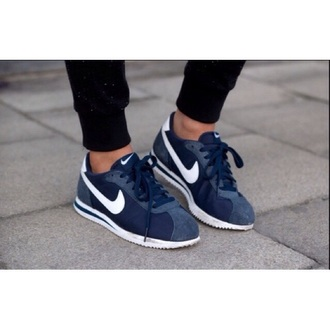 shoes nike blue dark white sneakers love need help nikes helpmefindthis