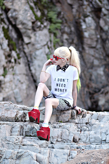 """Nin3 """"i dont need money/money needs me"""" t, thrifted collared shirt, jeffrey campbell studded wrights"""