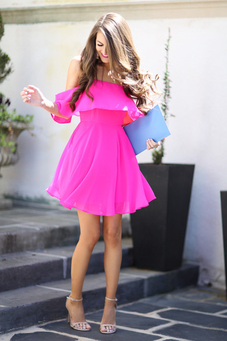 southern curls and pearls blogger jewels bag make-up off the shoulder pink dress clutch nude heels