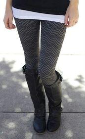 pants,leggings,printed leggings,black and gray