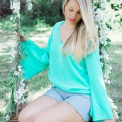 top,boutique estella,mint,mint top,bell sleeves,mint ootd,ootd,outfit,outfit idea,scallop shorts,swing