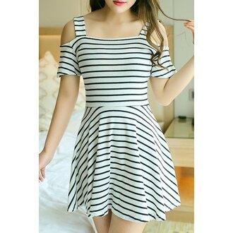 dress fashion trendy stripes cut out shoulder black and white dress summer spring trendsgal.com
