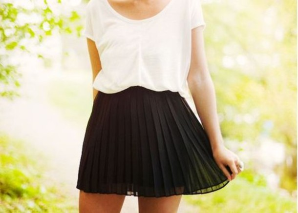 Women'S Black Pleated Skirt - Dress Ala