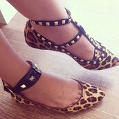 shoes,to die for,leopard print,studs,pointed toe,pointy toes,flats,ankle band,no heel,animal print,animal print shoes,adore,pointed flats