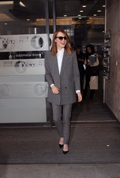 pants,emma stone,suit,two-piece,silver,white top,button up,classy,sunnies,heels,tailored suit,jacket