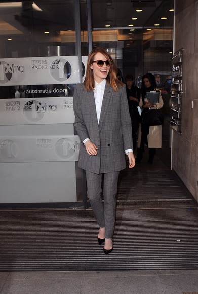 two piece pants silver emma stone suit white top button up classy sunnies high heels tailored suit jacket