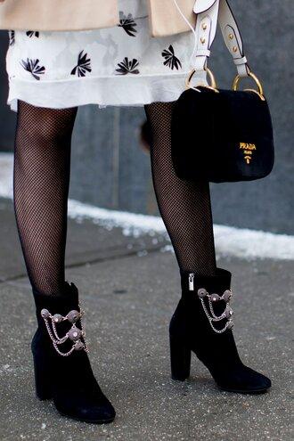 shoes nyfw 2017 fashion week 2017 fashion week streetstyle ankle boots blue boots embellished high heels boots velvet ankle boots velvet velvet shoes velvet boots tights net tights fishnet tights bag black bag designer bag prada prada bag