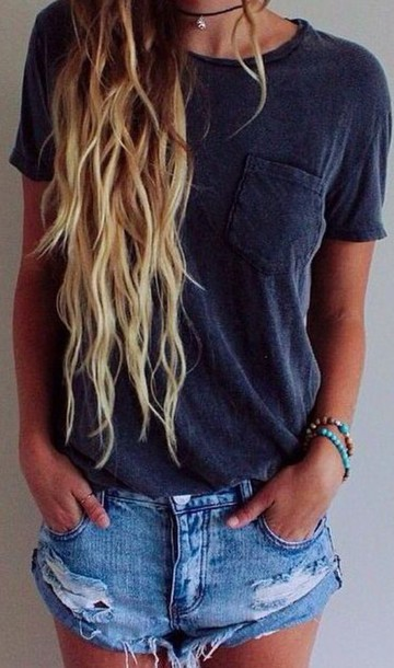 shirt navy frocket pockets short sleeve bracelets denim shorts necklace wavy hair scoop neck crewneck california girl beauty