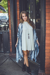 top,kimono,tie dye,boho,boho chic,music festival,festival,summer,fall outfits,entourage,chic,trendy,layer,cardigan,blouse,flowy,indie,casual