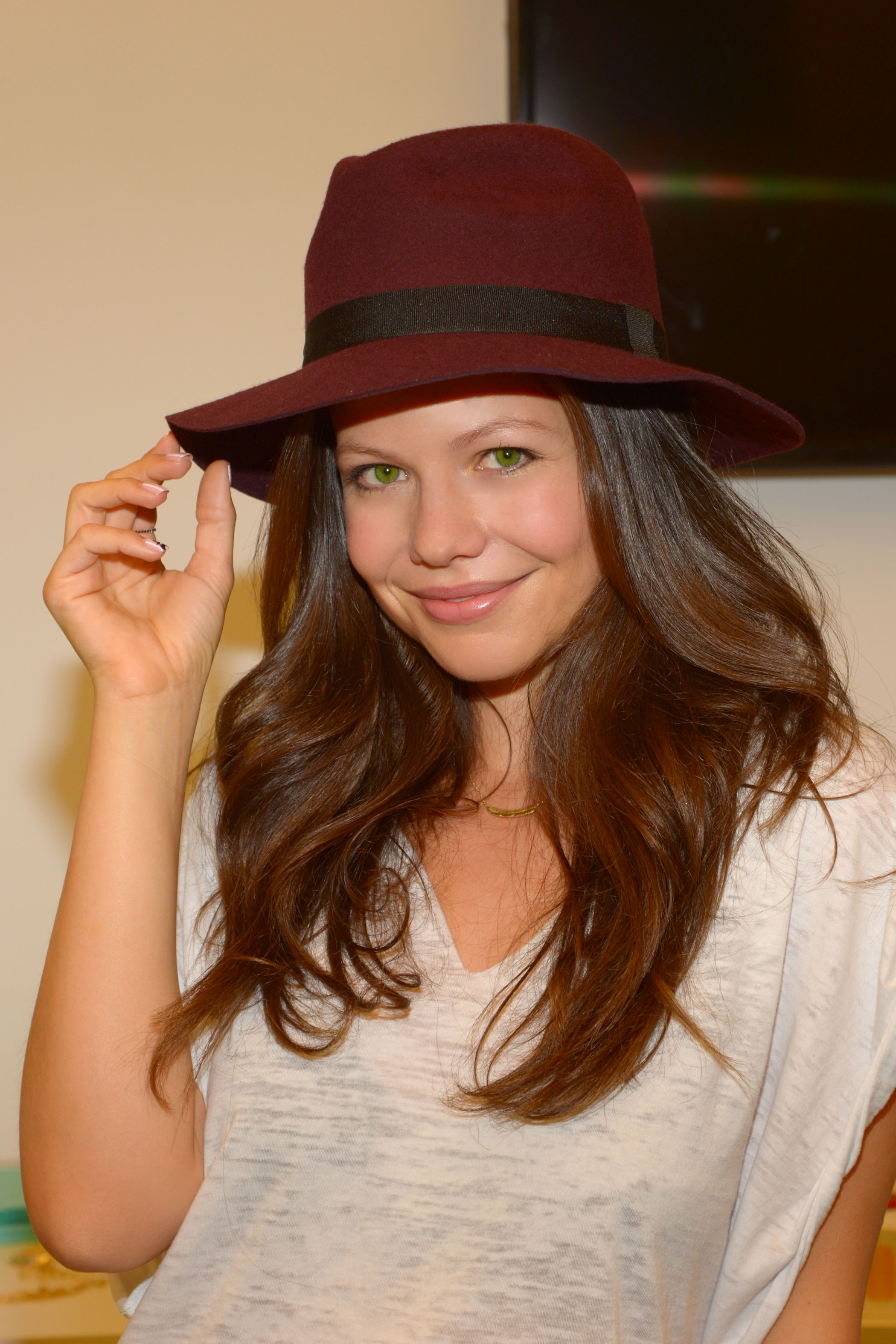 Shop Prima Donna - Madison Wide Brim Hat Burgundy at Prima donna