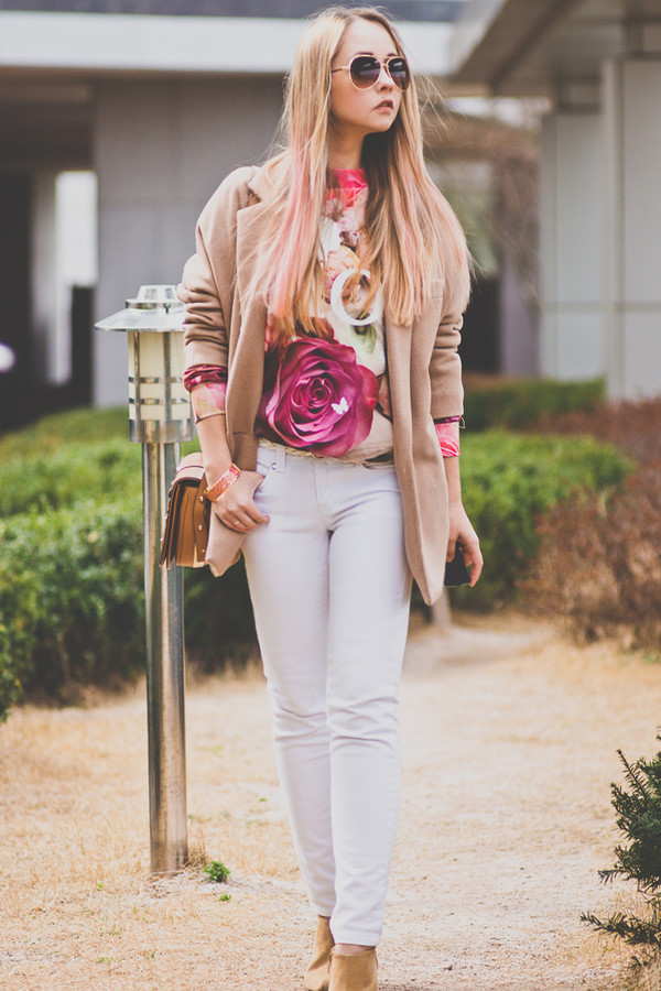 my blonde gal coat bag sweater jewels jeans shoes